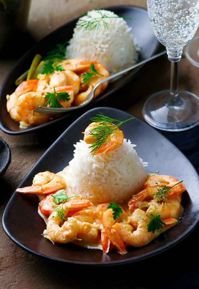 crevettes saut es au vin blanc ne recette simple et d licieuse faire avec des crevettes. Black Bedroom Furniture Sets. Home Design Ideas