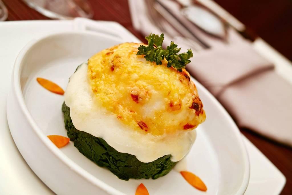 Oeufs la florentine un grand classique des recettes fran aise a faire et a refaire les - Grand classique cuisine francaise ...
