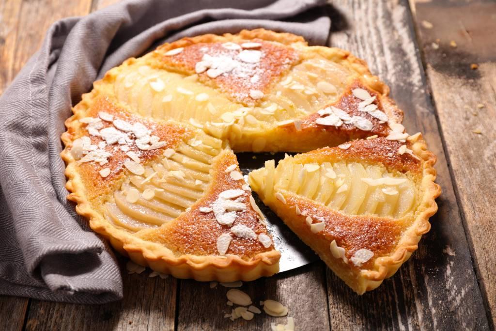 Tarte amandine ou bourdaloue un grand classique de la cuisine fran aise les recettes de cuisine - Grand classique cuisine francaise ...