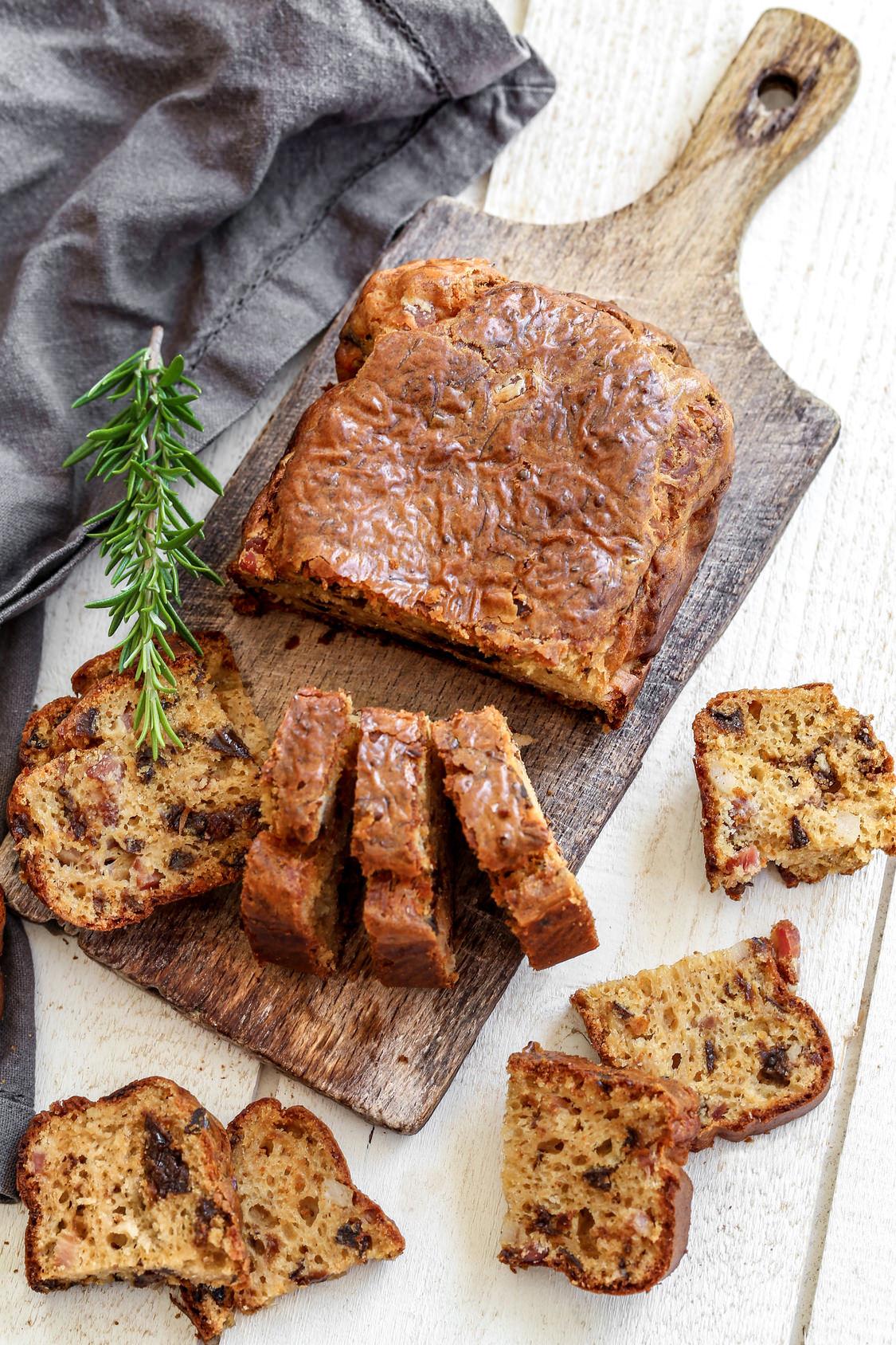 cake aux lardons et aux pruneaux parfait en petits cubes pour l 39 ap ritif les recettes de cuisine. Black Bedroom Furniture Sets. Home Design Ideas
