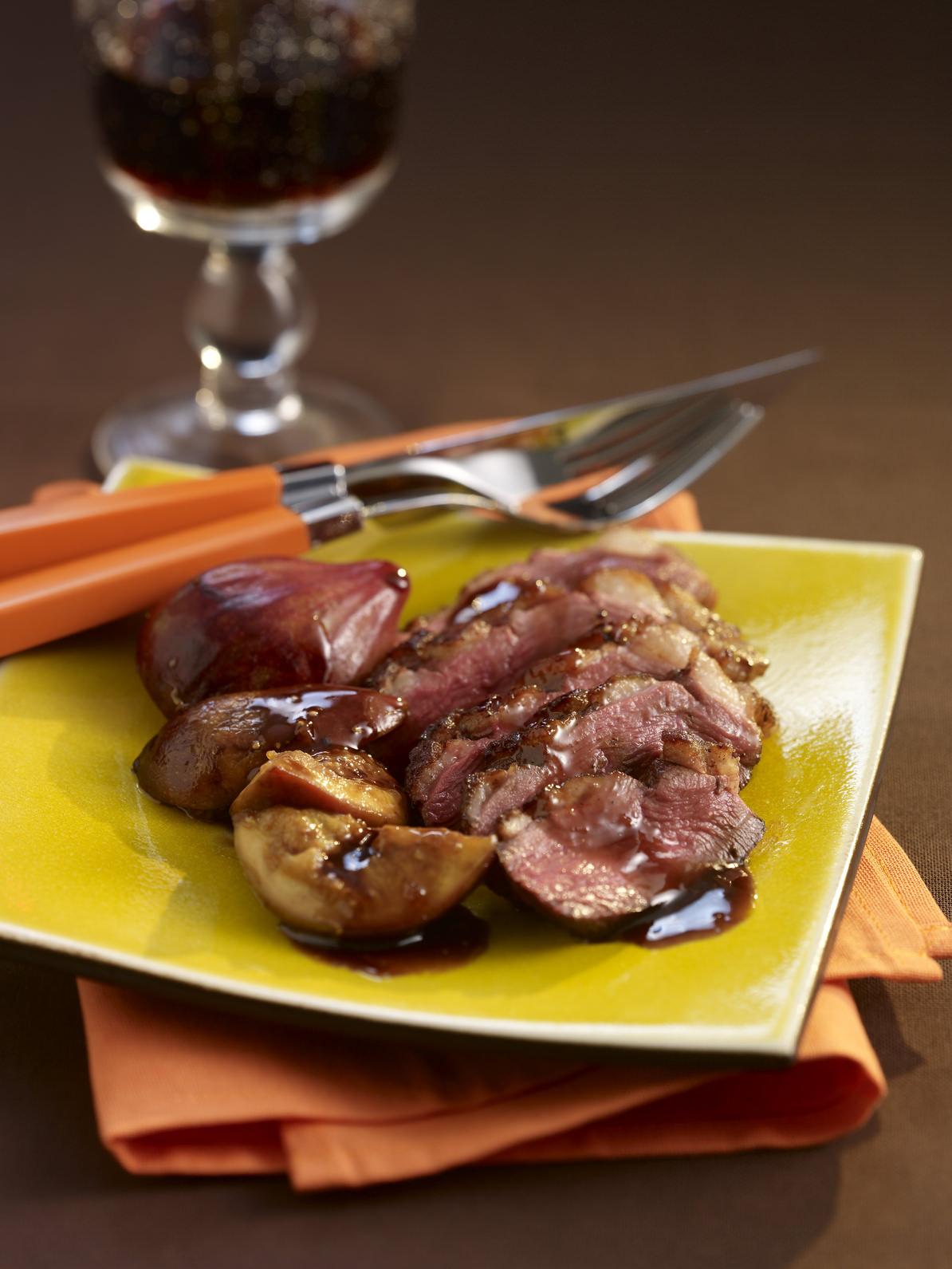 magret de canard aux figues une recette sal sucr d 39 automne les recettes de cuisine et mets. Black Bedroom Furniture Sets. Home Design Ideas