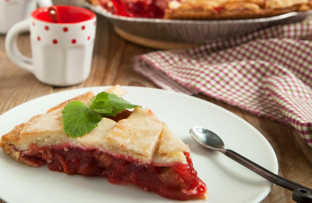 Tourte rhubarbe et fraises ou strawberry and rhubarb pie - Recette traditionnelle cuisine americaine ...