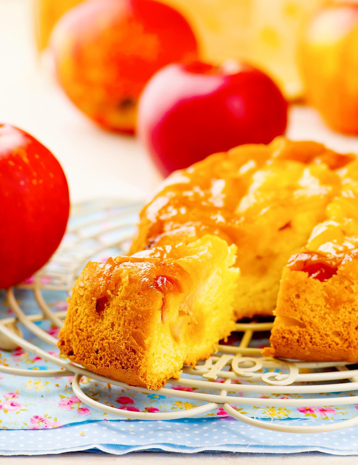 g teau renvers aux pommes un d licieux dessert conomique et familial les recettes de cuisine. Black Bedroom Furniture Sets. Home Design Ideas