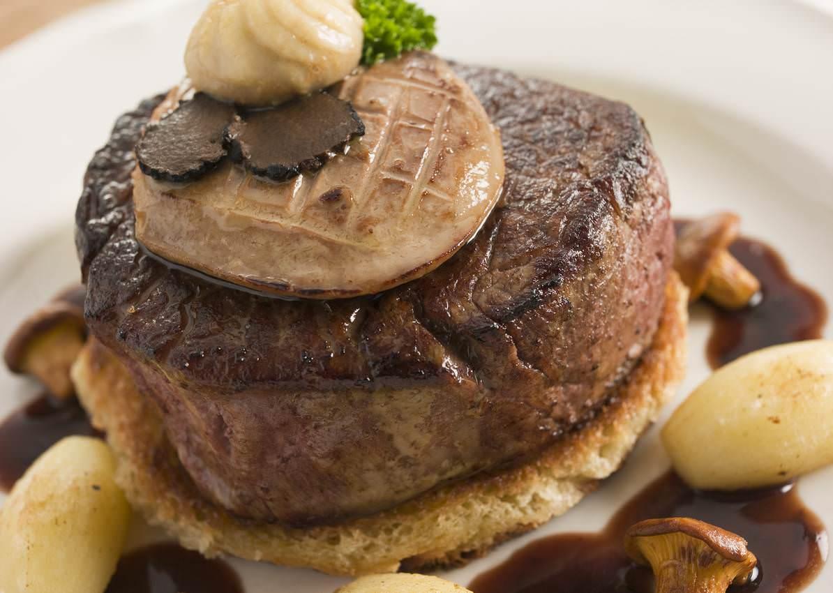 Tournedos rossini le grand classique de la gatronomie fran aise base de truffe foie gras et - Grand classique cuisine francaise ...