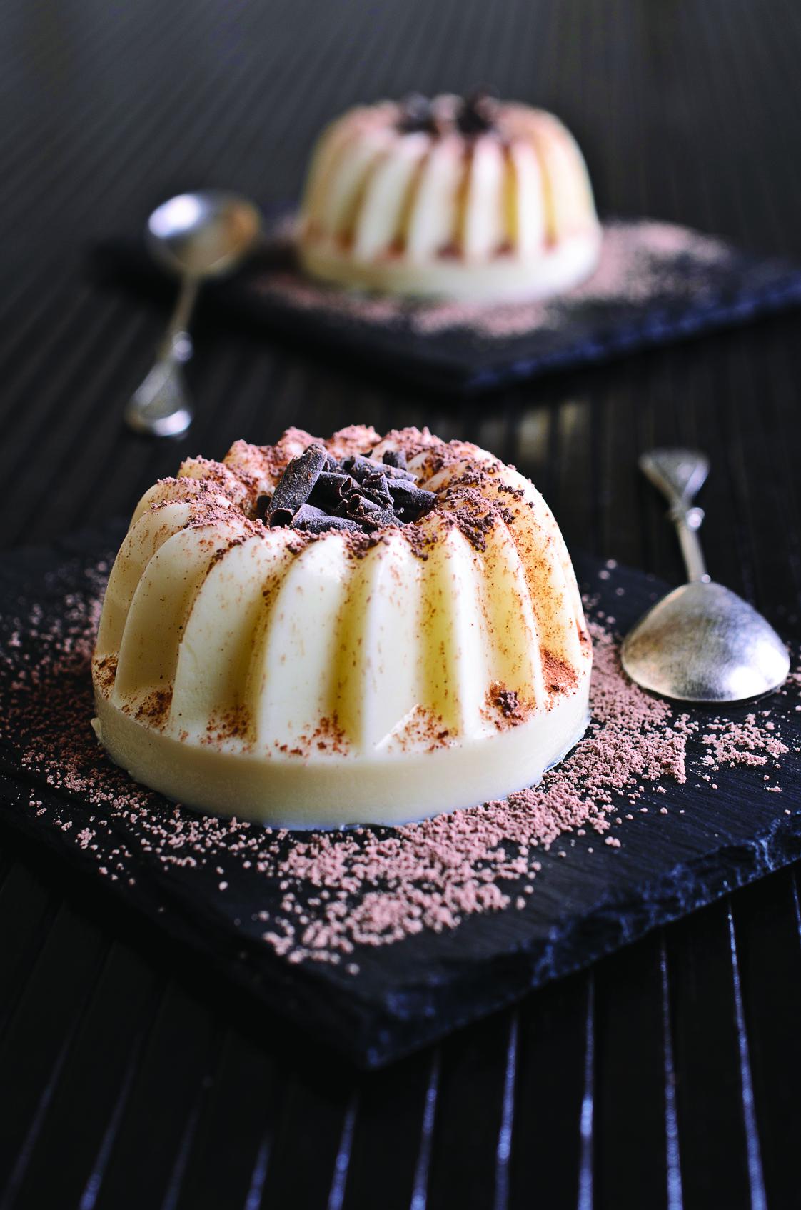 panna cotta ou flan chocolat blanc et coco un dessert. Black Bedroom Furniture Sets. Home Design Ideas