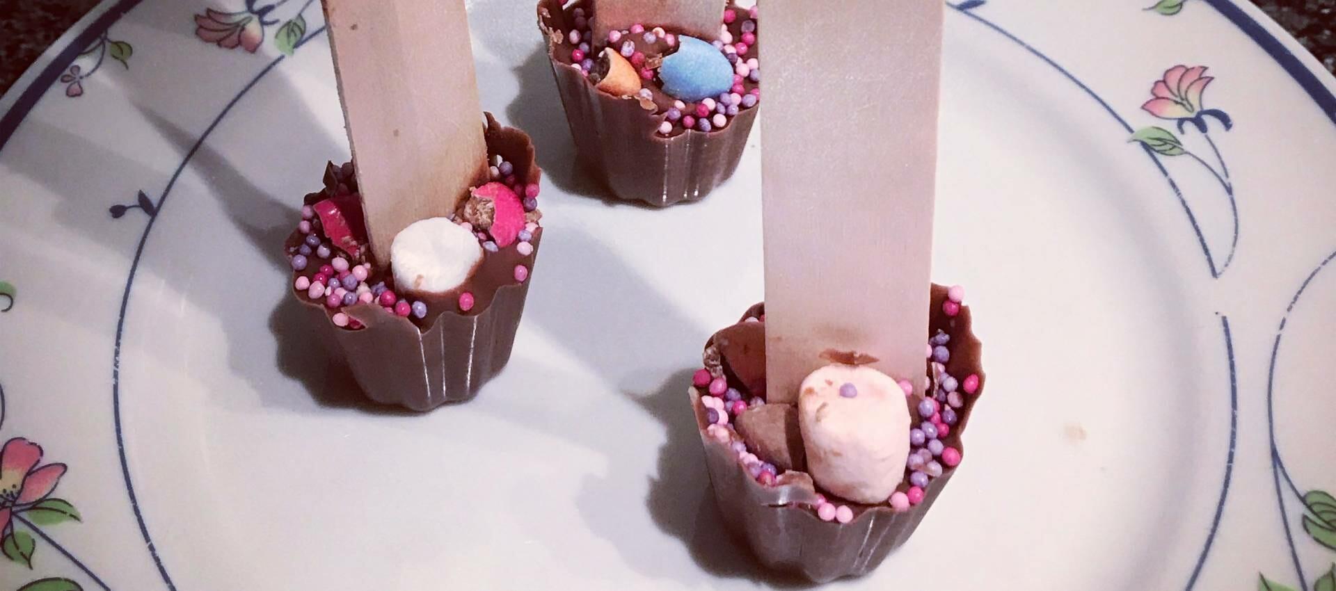 sucettes en chocolat pour chocolat chaud gourmand les recettes de cuisine et mets les recettes. Black Bedroom Furniture Sets. Home Design Ideas